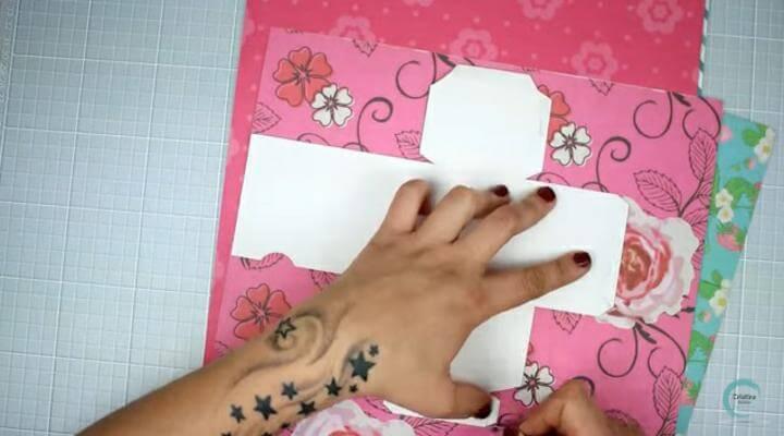 plantilla en papel decorado para hacer para la envoltura original de regalos